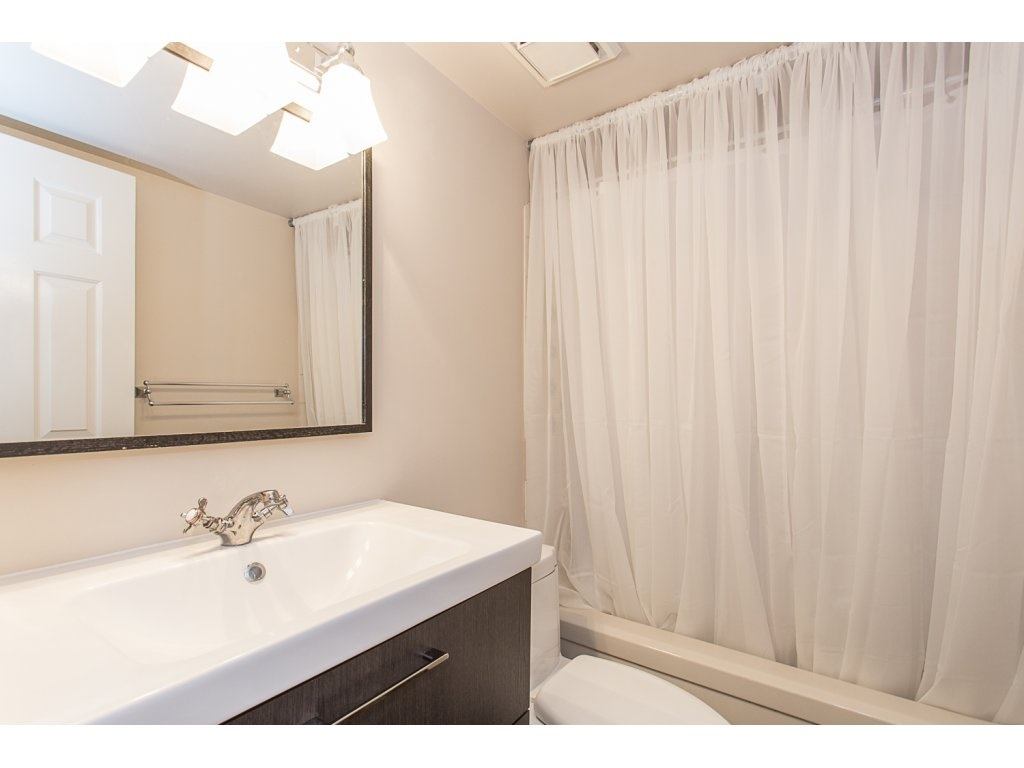 "Photo 16: 103 32950 AMICUS Place in Abbotsford: Central Abbotsford Condo for sale in ""THE HAVEN"" : MLS® # R2180654"