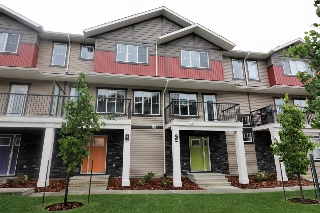 Main Photo: 75 165 Cy Becker Boulevard in Edmonton: Zone 03 Townhouse for sale : MLS® # E4074670