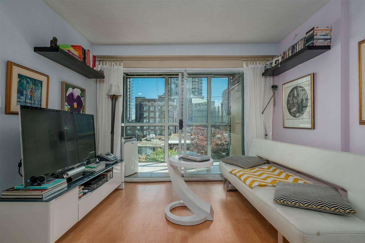 "Main Photo: 306 1188 HOWE Street in Vancouver: Downtown VW Condo for sale in ""1188 HOWE"" (Vancouver West)  : MLS® # R2200484"
