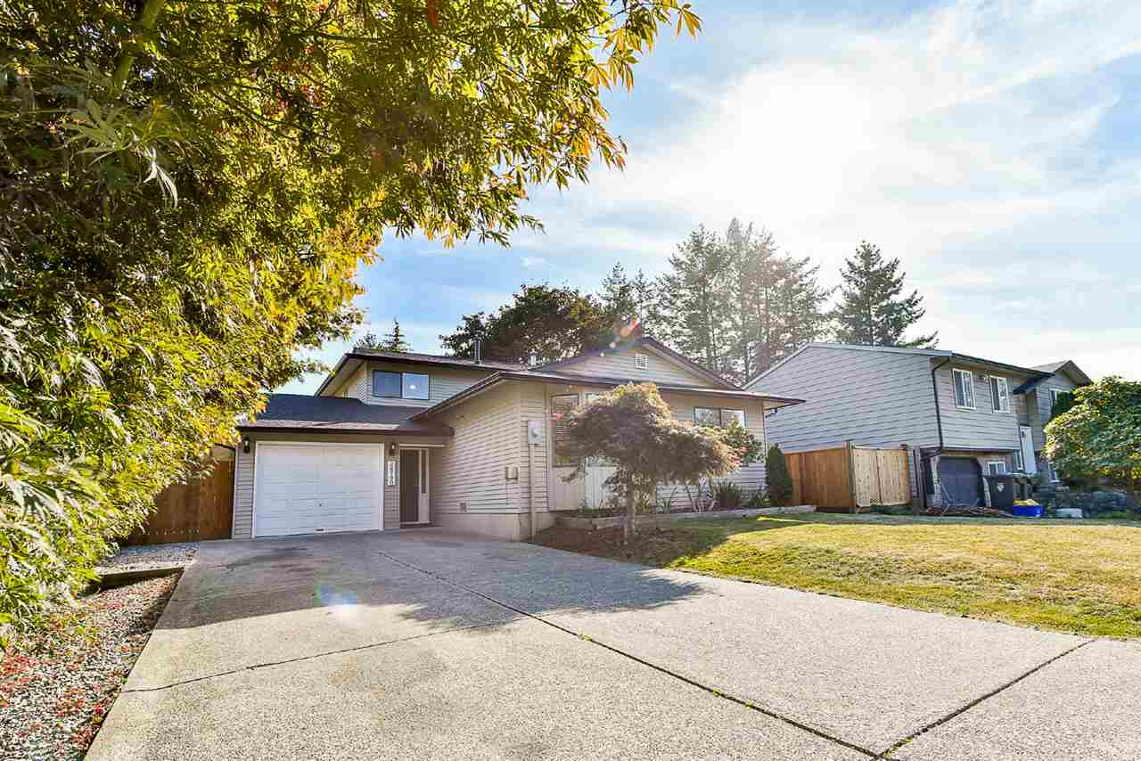 Main Photo: 26780 32A Avenue in Langley: Aldergrove Langley House for sale : MLS® # R2206335