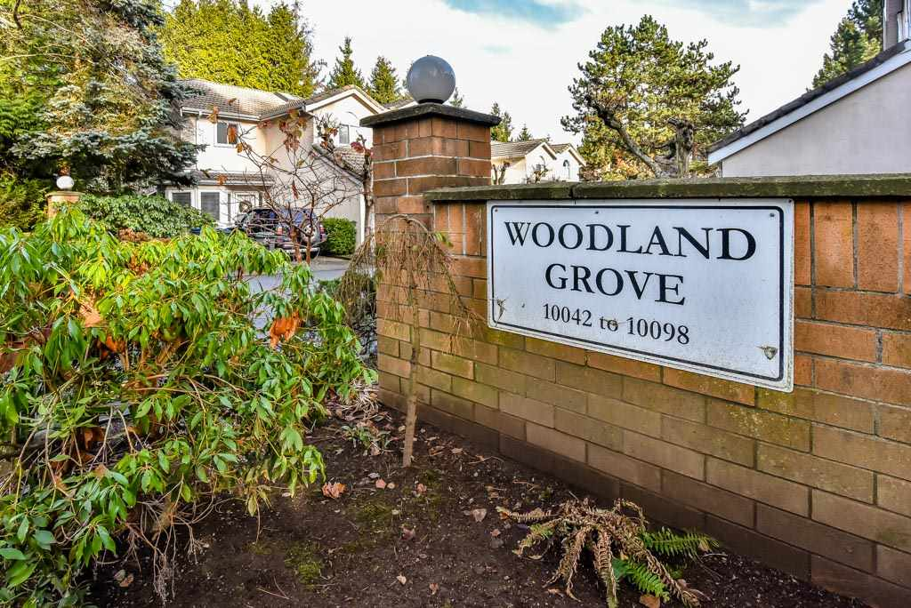 "Main Photo: 4 10086 154 Street in Surrey: Guildford Townhouse for sale in ""Woodland Grove"" (North Surrey)  : MLS® # R2238657"