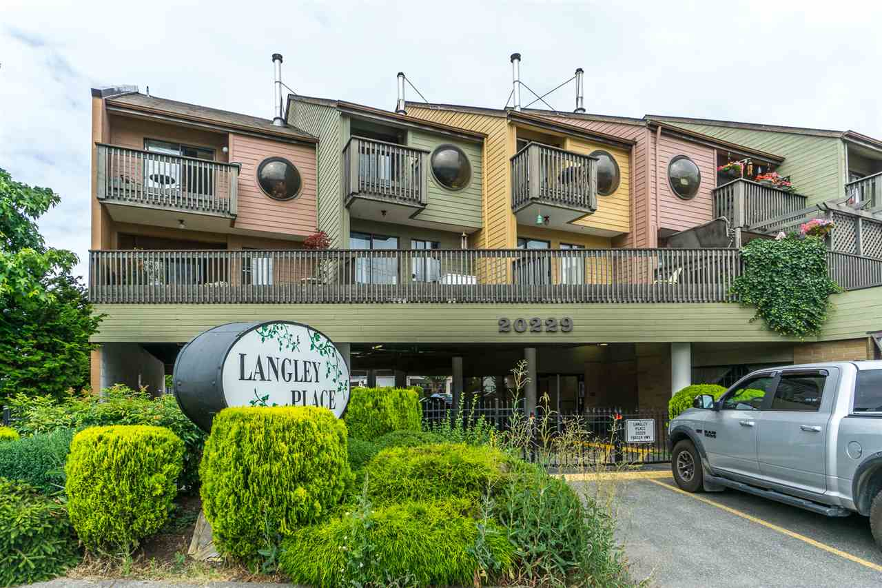"Main Photo: 7 20229 FRASER Highway in Langley: Langley City Condo for sale in ""Langley Place"" : MLS®# R2288170"