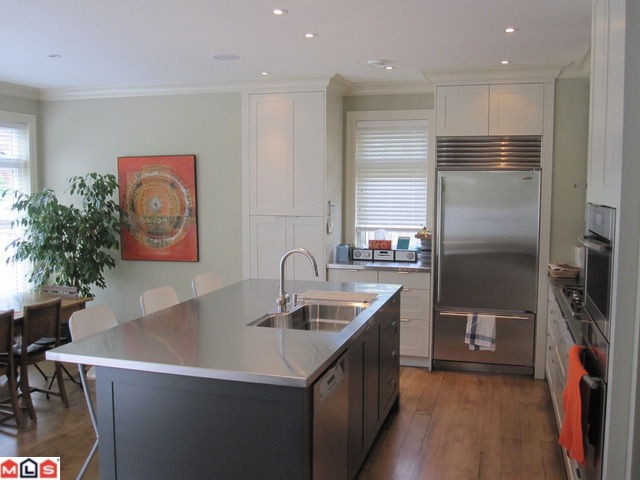 Photo 3: 2623 MCBRIDE Avenue in Surrey: Crescent Bch Ocean Pk. House for sale (South Surrey White Rock)  : MLS(r) # F1118825