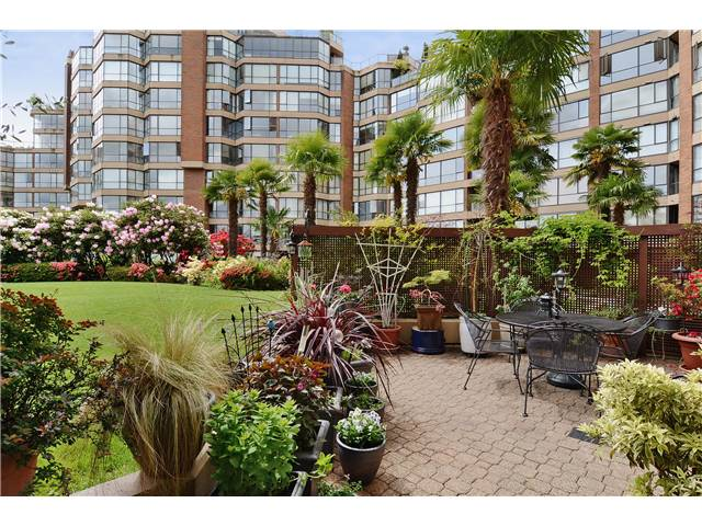Main Photo: # 108 1450 PENNYFARTHING DR in Vancouver: False Creek Condo for sale (Vancouver West)  : MLS® # V1007865