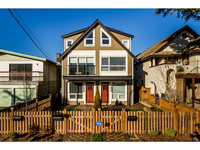 "Main Photo: 4759 MANOR Street in Vancouver: Collingwood VE Condo for sale in ""Collingwood"" (Vancouver East)  : MLS®# V1064424"