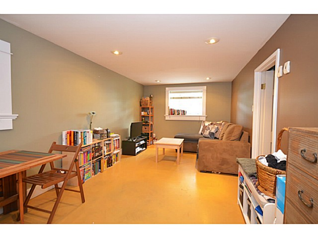 Photo 11: 375 E WOODSTOCK Avenue in Vancouver: Main House for sale (Vancouver East)  : MLS(r) # V1125273