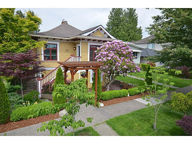Main Photo: 375 E WOODSTOCK Avenue in Vancouver: Main House for sale (Vancouver East)  : MLS(r) # V1125273