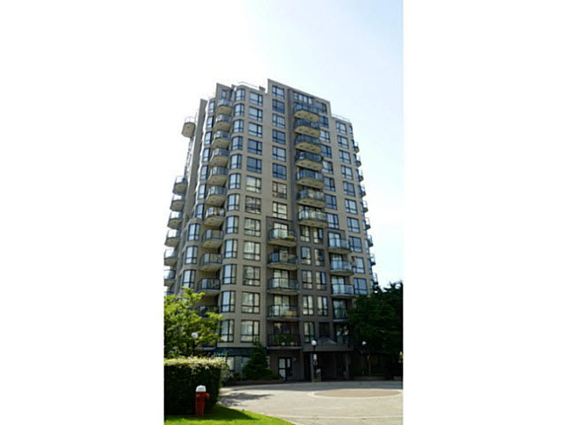 "Main Photo: 904 828 AGNES Street in NEW WEST: Downtown NW Condo for sale in ""WESTMINSTER TOWER"" (New Westminster)  : MLS® # V1127563"