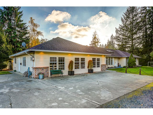 Main Photo: 25890 116 Avenue in Maple Ridge: Websters Corners House for sale : MLS® # R2009574