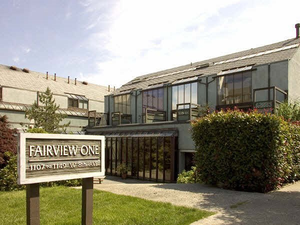 "Main Photo: 1133 W 8TH Avenue in Vancouver: Fairview VW Townhouse for sale in ""FAIRVIEW ONE"" (Vancouver West)  : MLS® # R2019523"