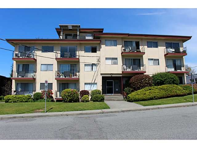 "Main Photo: 211 611 BLACKFORD Street in New Westminster: Uptown NW Condo for sale in ""MAYMONT MANOR"" : MLS® # R2059727"