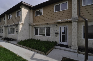 Main Photo:  in Edmonton: Zone 15 Townhouse for sale : MLS(r) # E4023208