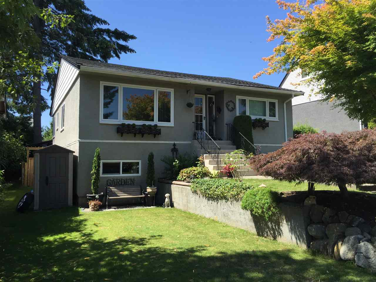 Main Photo: 35 N HOWARD Avenue in Burnaby: Capitol Hill BN House for sale (Burnaby North)  : MLS®# R2095233