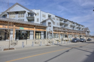 "Main Photo: 401 6233 LONDON Road in Richmond: Steveston South Condo for sale in ""LONDON STATION I"" : MLS(r) # R2097409"