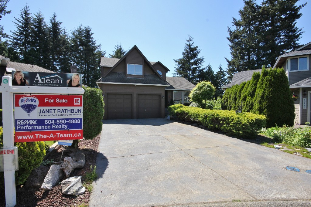 "Main Photo: 10439 GLENMOOR Place in Surrey: Fraser Heights House for sale in ""Fraser Glen"" (North Surrey)  : MLS(r) # R2105067"