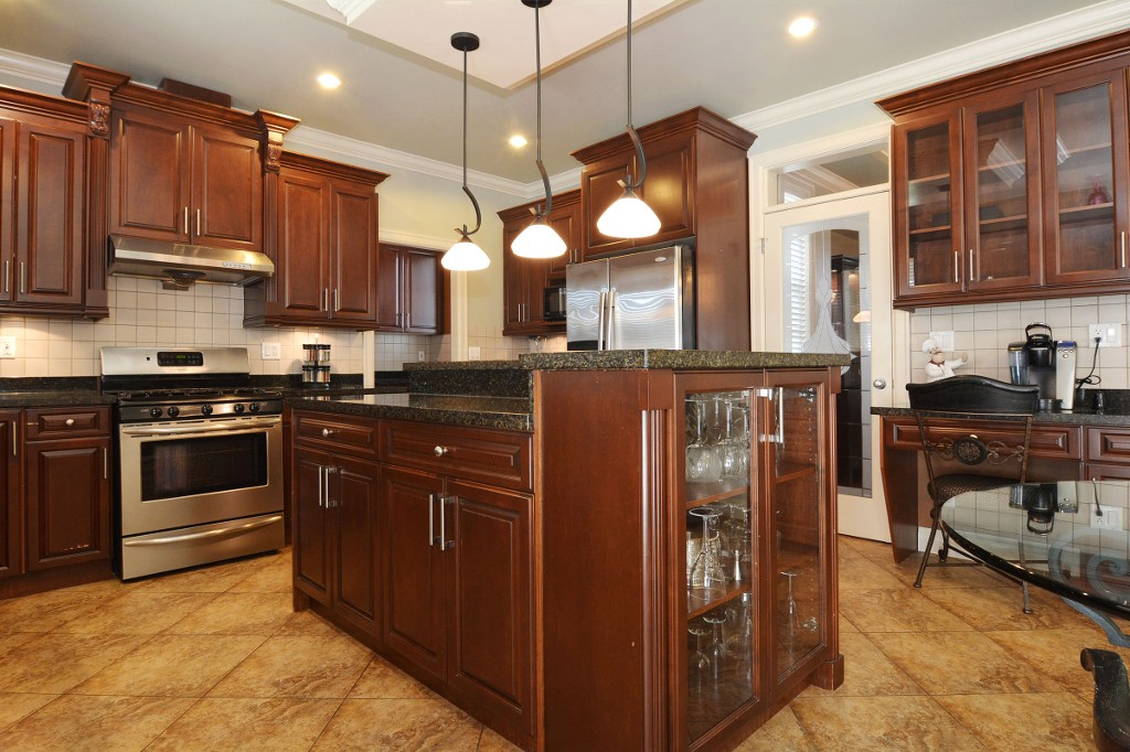 Photo 9: 27748 LANTERN Avenue in Abbotsford: Aberdeen House for sale : MLS(r) # R2117539