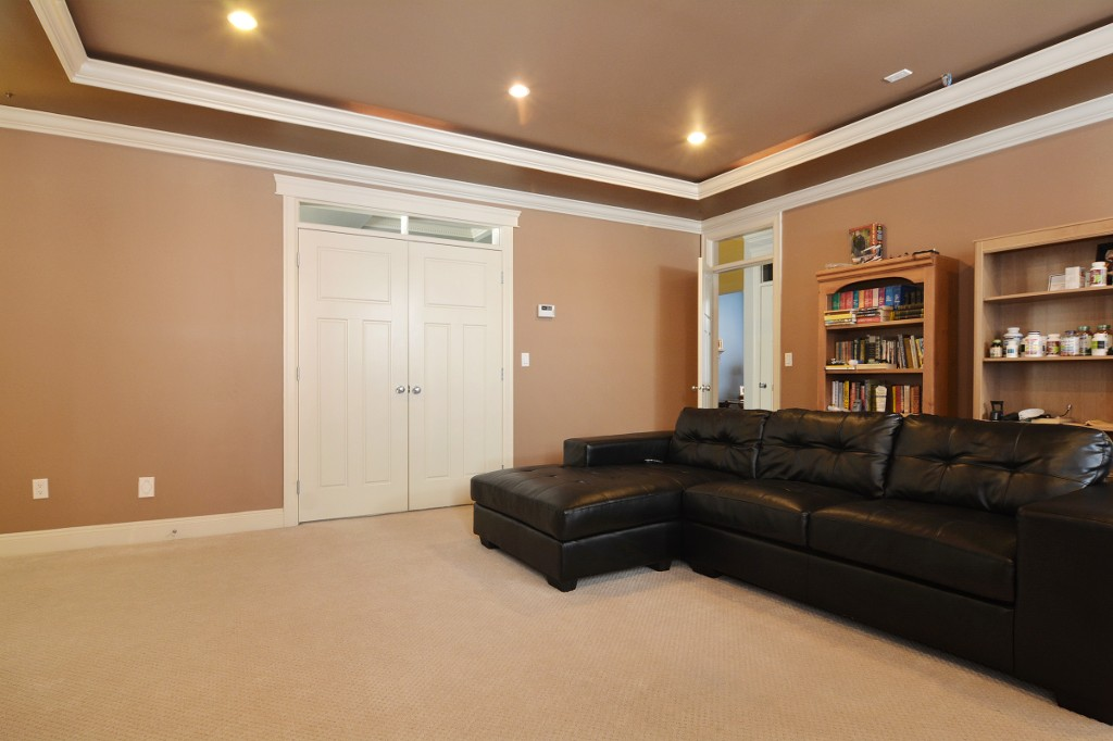 Photo 10: 27748 LANTERN Avenue in Abbotsford: Aberdeen House for sale : MLS(r) # R2117539