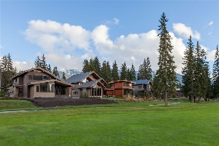 "Main Photo: 8012 CYPRESS Place in Whistler: Green Lake Estates House for sale in ""Nicklaus North"" : MLS(r) # R2122856"