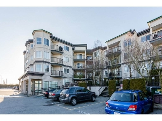 "Main Photo: 209 5759 GLOVER Road in Langley: Langley City Condo for sale in ""College Court"" : MLS(r) # R2134909"