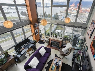 "Main Photo: 805 289 ALEXANDER Street in Vancouver: Hastings Condo for sale in ""The Edge"" (Vancouver East)  : MLS(r) # R2140635"