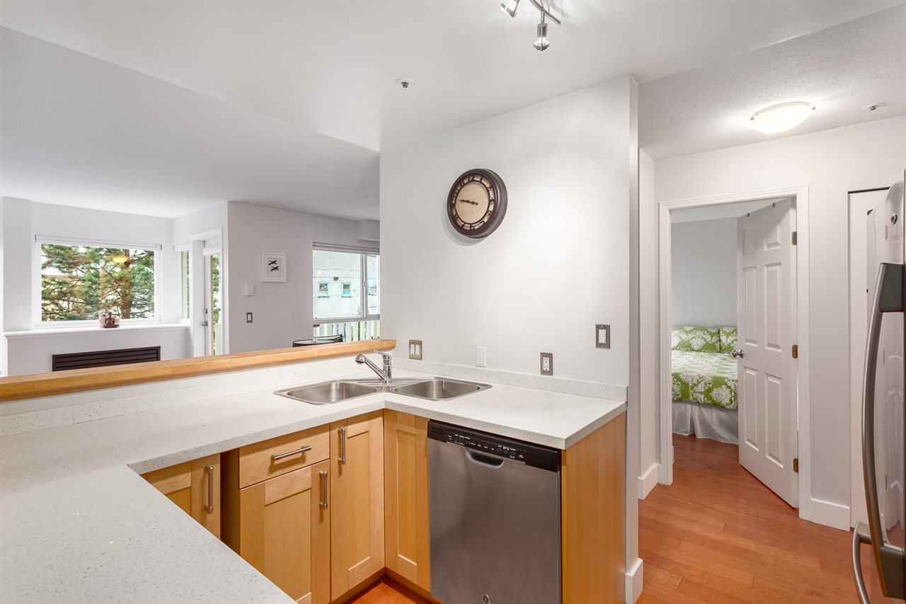 Photo 8: 303 1623 E 2ND Avenue in Vancouver: Grandview VE Condo for sale (Vancouver East)  : MLS(r) # R2156277