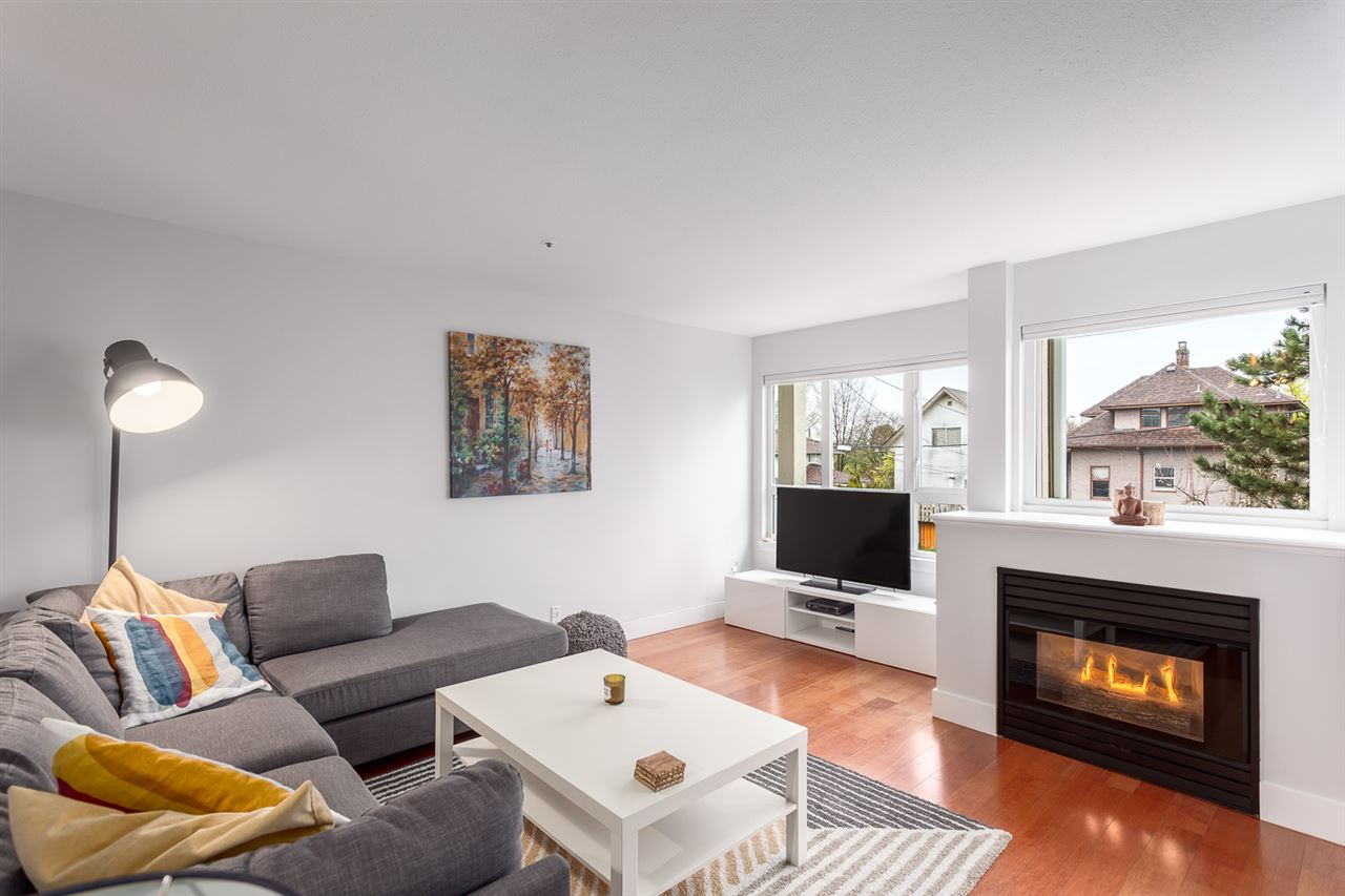 Photo 2: 303 1623 E 2ND Avenue in Vancouver: Grandview VE Condo for sale (Vancouver East)  : MLS(r) # R2156277
