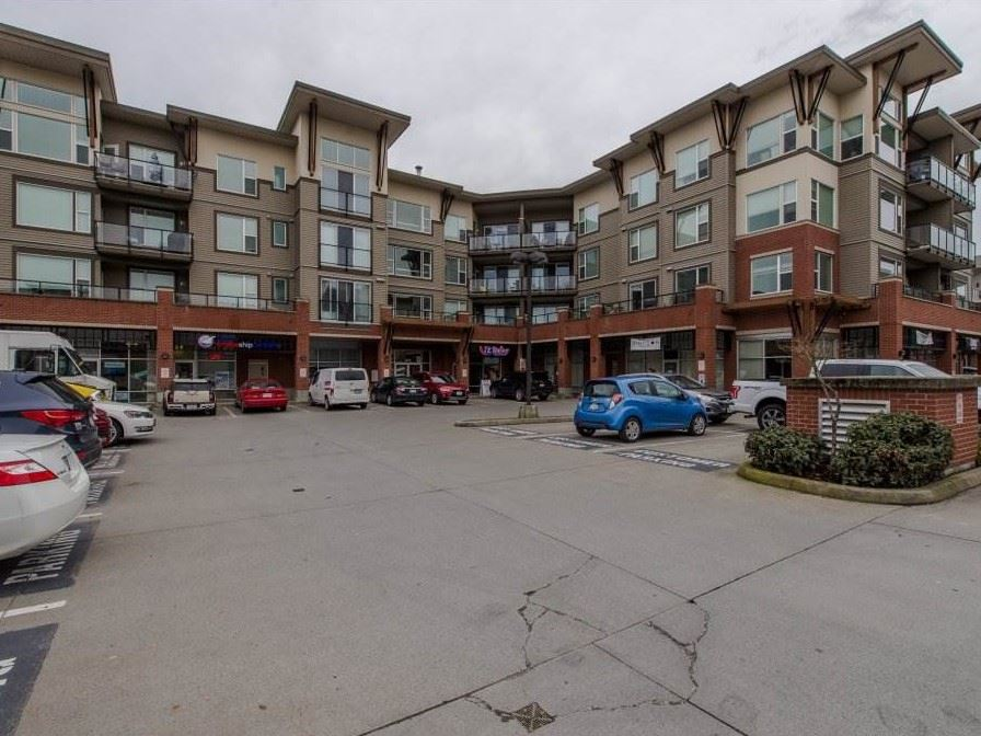 "Main Photo: 305 1975 MCCALLUM Road in Abbotsford: Central Abbotsford Condo for sale in ""The Crossing"" : MLS®# R2169584"
