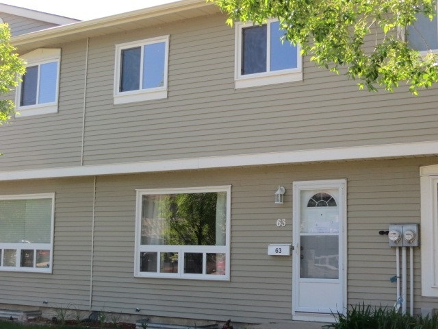 Photo 2: 63 2131 OAK Street: Sherwood Park Townhouse for sale : MLS(r) # E4068961