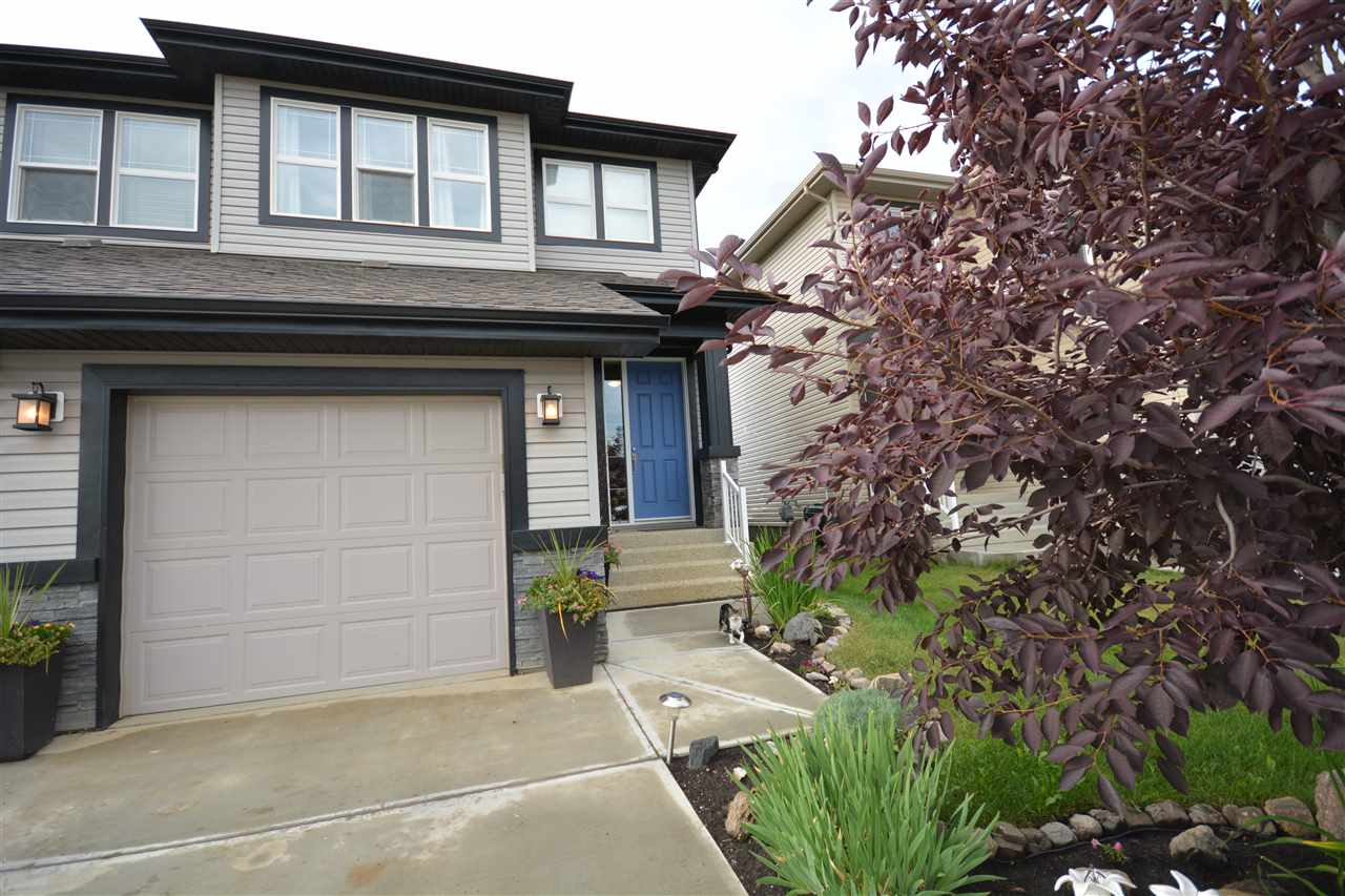 Main Photo: 30 SPRINGWOOD Way: Spruce Grove House Half Duplex for sale : MLS(r) # E4075103