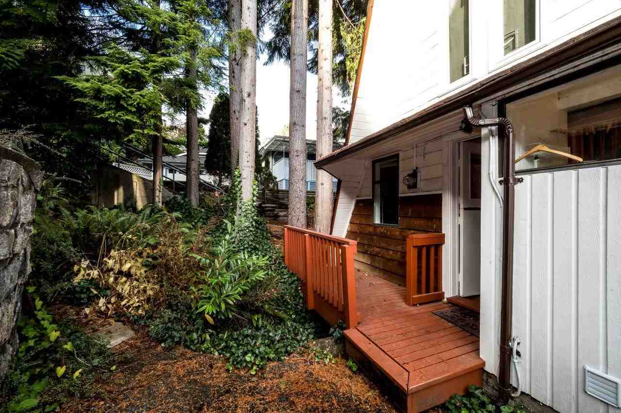 "Photo 18: Photos: 1991 DEEP COVE Road in North Vancouver: Deep Cove House for sale in ""Deep Cove"" : MLS® # R2221255"