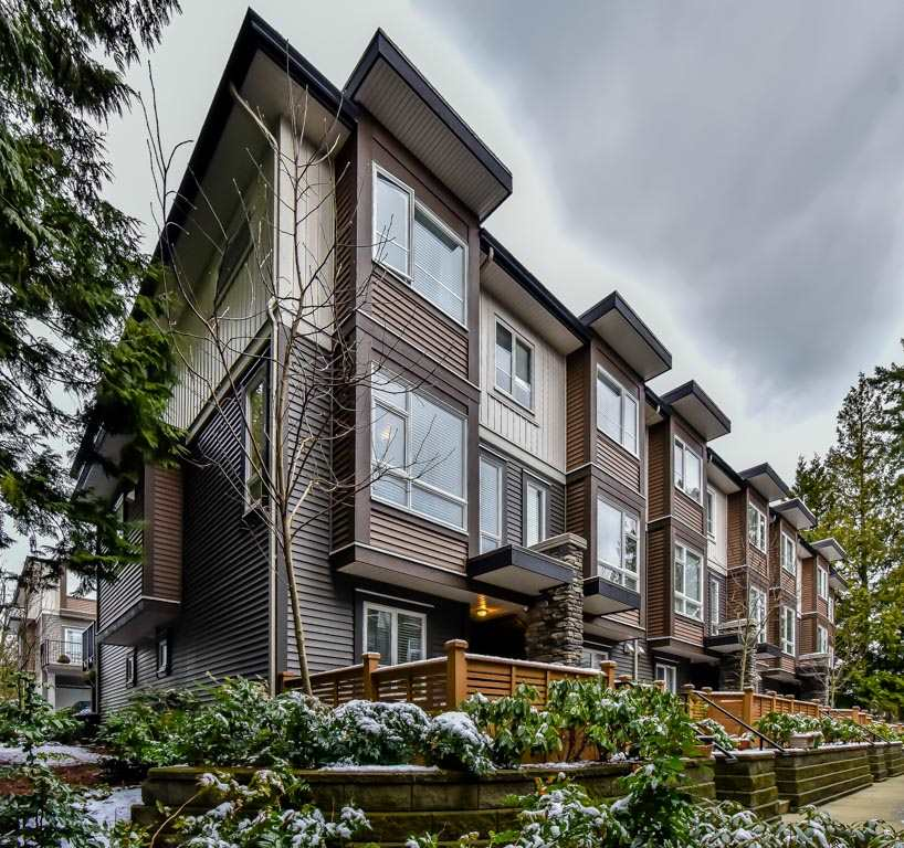 "Main Photo: 118 5888 144 Street in Surrey: Sullivan Station Townhouse for sale in ""One144"" : MLS® # R2228872"