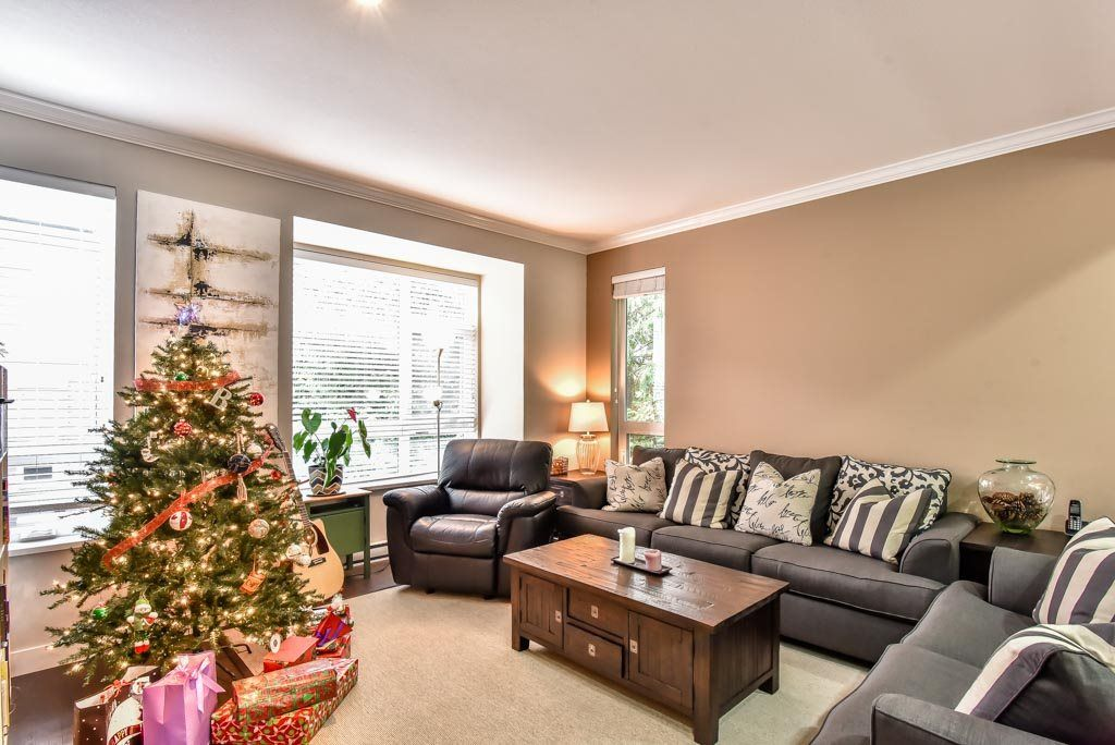 "Photo 6: Photos: 118 5888 144 Street in Surrey: Sullivan Station Townhouse for sale in ""One144"" : MLS® # R2228872"