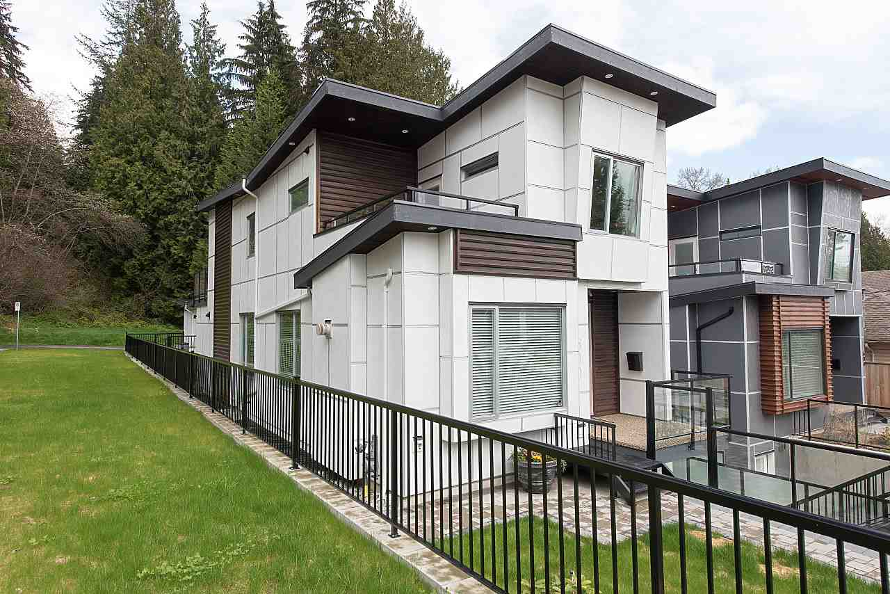 "Main Photo: 600 E 22ND Street in North Vancouver: Boulevard House for sale in ""Grand Boulevard"" : MLS® # R2231635"