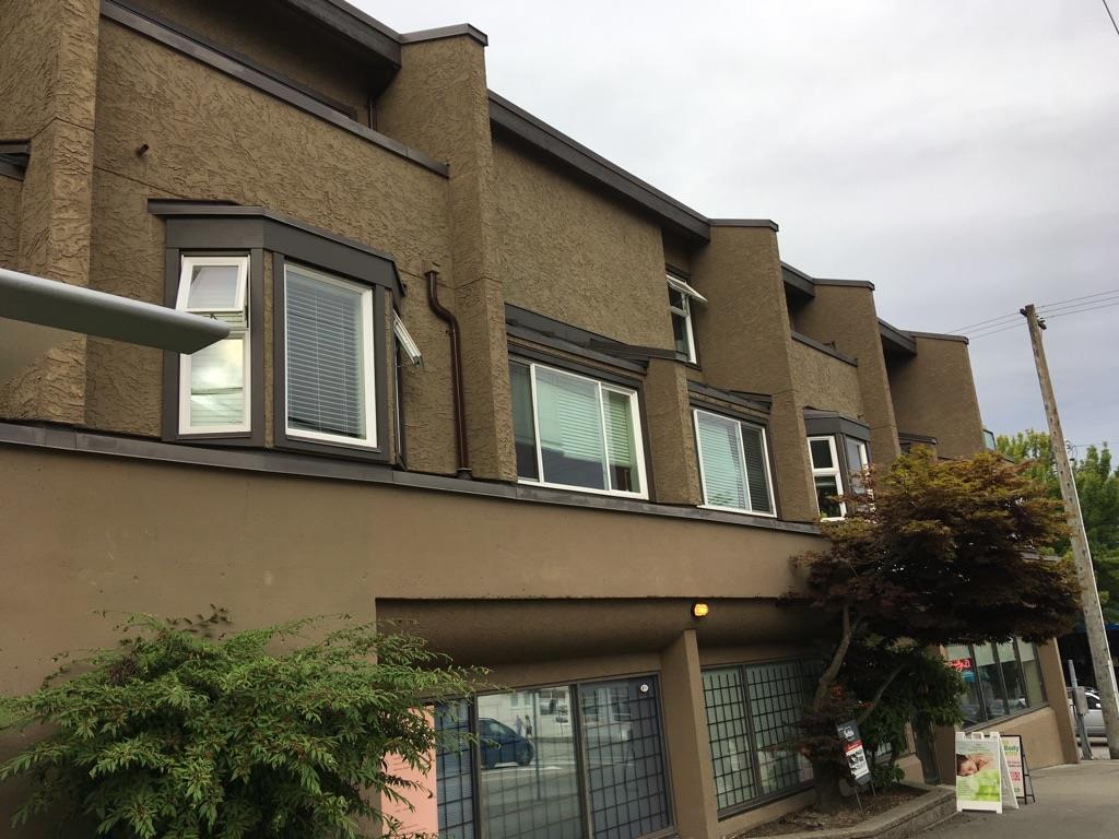 "Main Photo: 103 1169 EIGHTH Avenue in New Westminster: Moody Park Condo for sale in ""FRASER GARDENS"" : MLS® # R2238682"