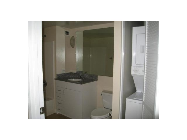 Photo 7: SAN DIEGO Condo for sale : 2 bedrooms : 425 W Beech Street #333