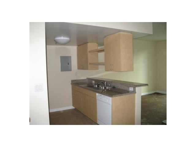 Photo 3: SAN DIEGO Condo for sale : 2 bedrooms : 425 W Beech Street #333