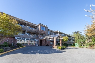 "Main Photo: 304 2239 152 Street in Surrey: Sunnyside Park Surrey Condo for sale in ""Semiahmoo Estates"" (South Surrey White Rock)  : MLS(r) # R2053831"