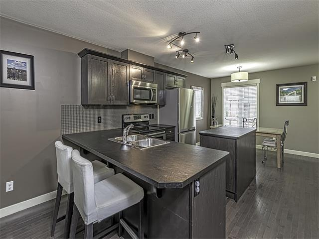 Photo 2: 249 Rainbow Falls Manor: Chestermere House for sale : MLS(r) # C4067433