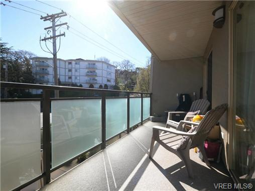 Photo 5: 206 1545 Pandora Avenue in VICTORIA: Vi Fernwood Condo Apartment for sale (Victoria)  : MLS® # 367587