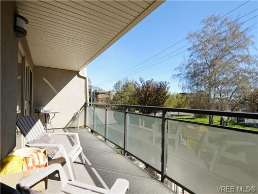 Photo 6: 206 1545 Pandora Avenue in VICTORIA: Vi Fernwood Condo Apartment for sale (Victoria)  : MLS® # 367587
