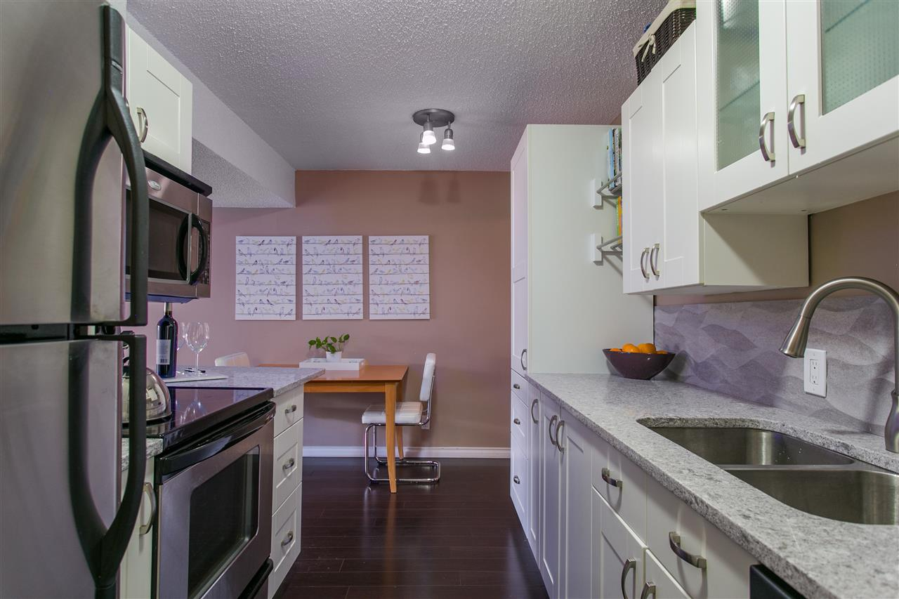 "Photo 3: 101 1640 W 11TH Avenue in Vancouver: Fairview VW Condo for sale in ""HERITAGE HOUSE"" (Vancouver West)  : MLS® # R2146485"