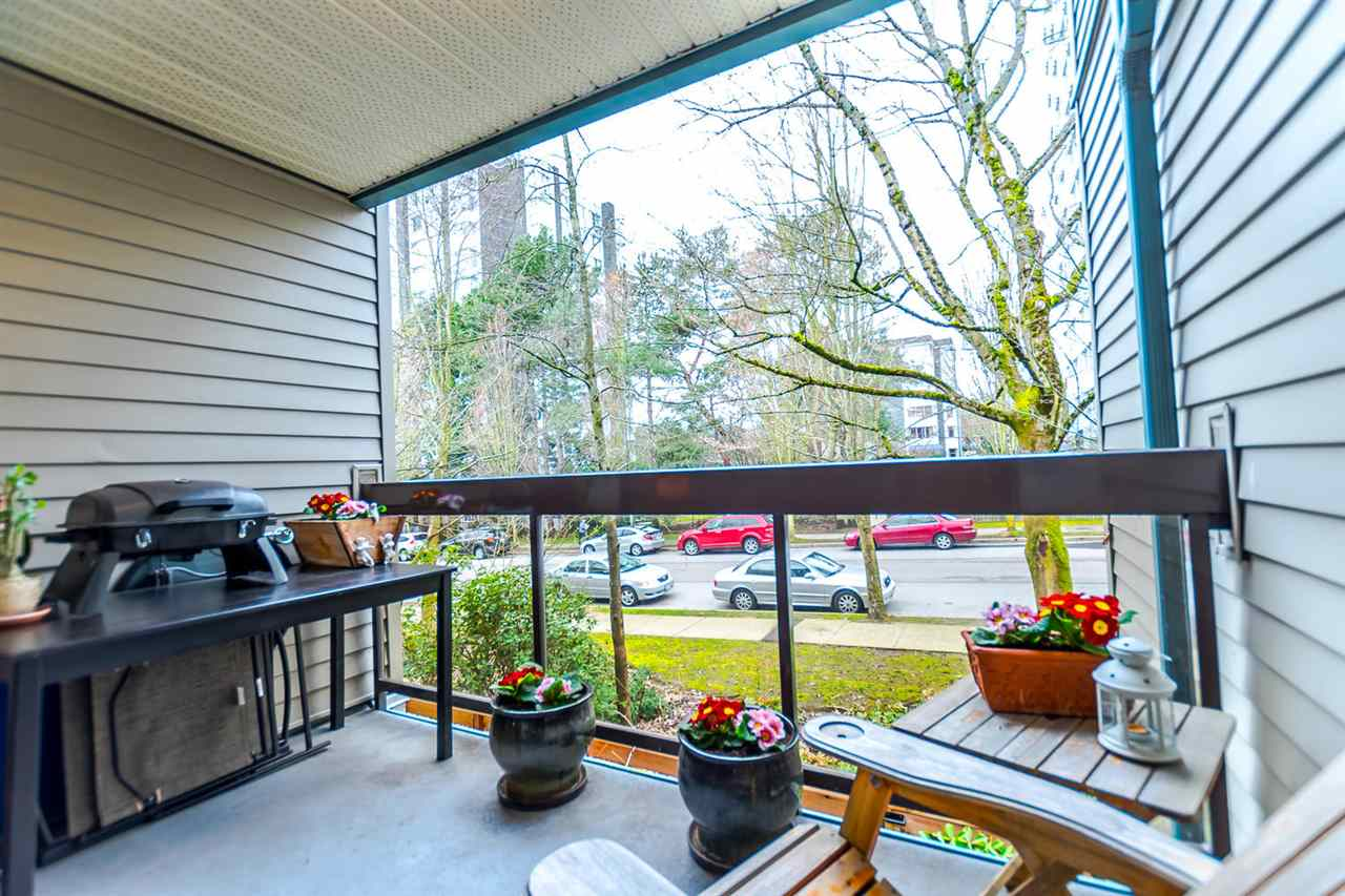 "Photo 2: 215 1422 E 3RD Avenue in Vancouver: Grandview VE Condo for sale in ""LA CONTESSA"" (Vancouver East)  : MLS® # R2147881"