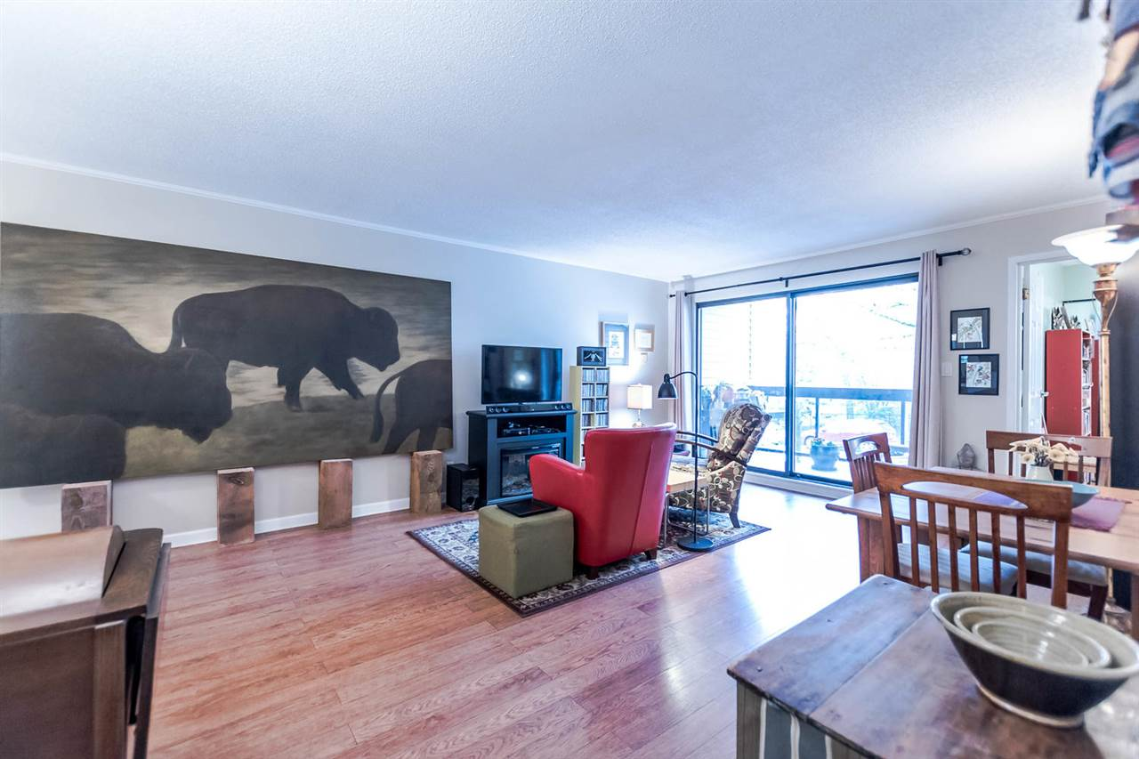"Photo 10: 215 1422 E 3RD Avenue in Vancouver: Grandview VE Condo for sale in ""LA CONTESSA"" (Vancouver East)  : MLS® # R2147881"