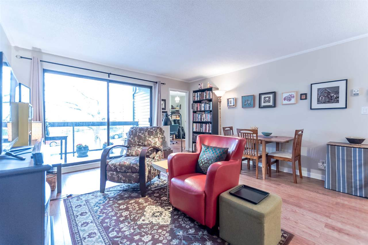 "Photo 9: 215 1422 E 3RD Avenue in Vancouver: Grandview VE Condo for sale in ""LA CONTESSA"" (Vancouver East)  : MLS® # R2147881"