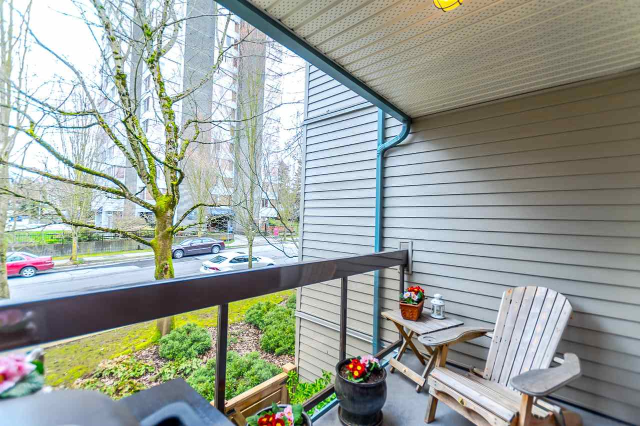 "Photo 13: 215 1422 E 3RD Avenue in Vancouver: Grandview VE Condo for sale in ""LA CONTESSA"" (Vancouver East)  : MLS® # R2147881"