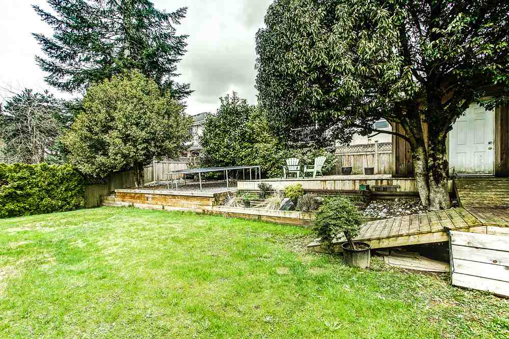 "Photo 16: 23855 ZERON Avenue in Maple Ridge: Albion House for sale in ""KANAKA RIDGE ESTATES"" : MLS(r) # R2156931"