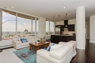 Main Photo:  in Edmonton: Zone 12 Condo for sale : MLS® # E4068070