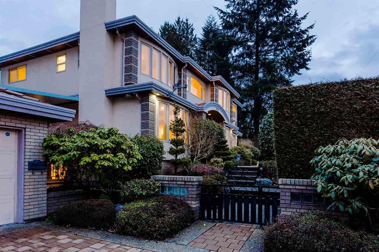 Photo 2: 6789 ADAIR Street in Burnaby: Montecito House for sale (Burnaby North)  : MLS(r) # R2179116