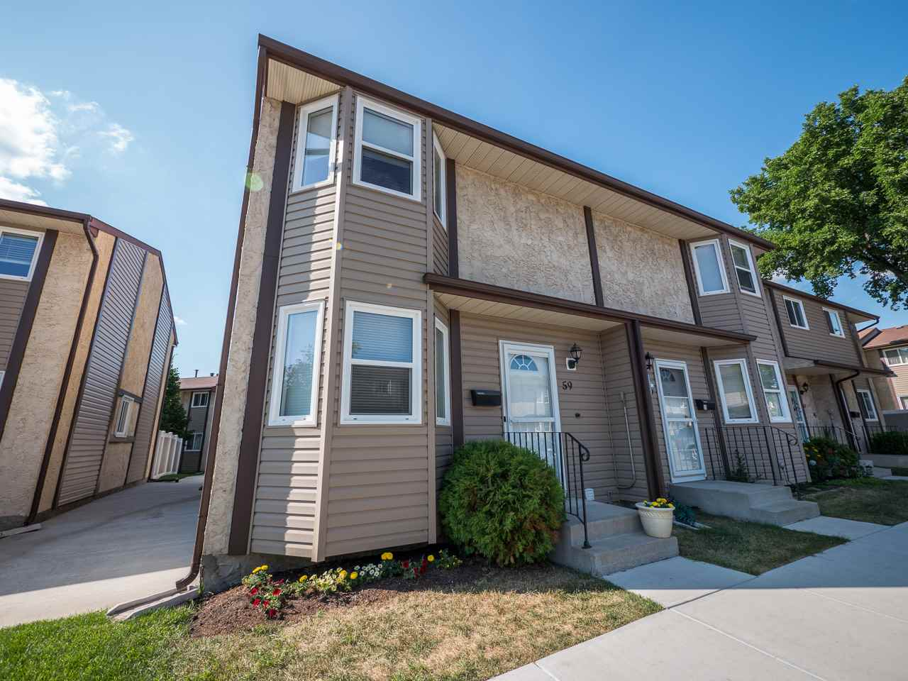Main Photo: 59 10453 20 Avenue in Edmonton: Zone 16 Townhouse for sale : MLS® # E4072732
