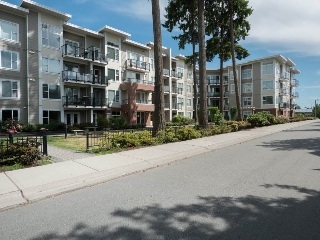 "Main Photo: 420 15956 86A Avenue in Surrey: Fleetwood Tynehead Condo for sale in ""Ascend"" : MLS(r) # R2189926"